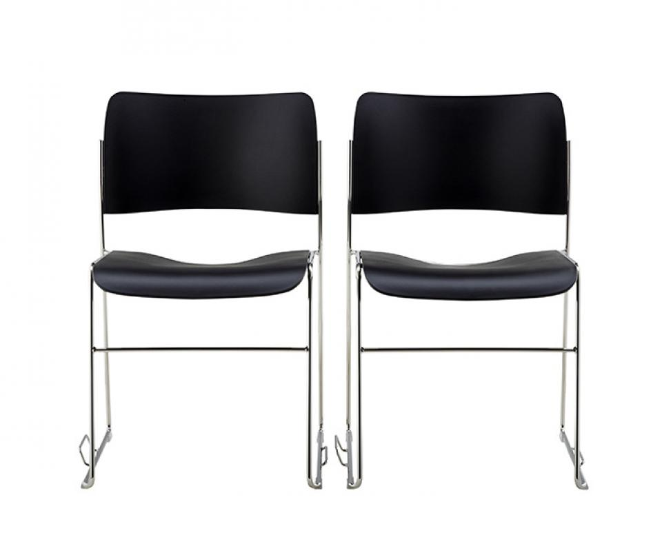 40/4 Chair W/integrated Linking | HOWE   FREE THINKING